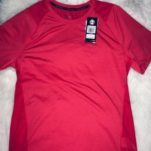 Under Armour Rose Red Vented short sleeves sz XL